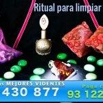 Ritual para limpiar los amuletos y recuperar su energía